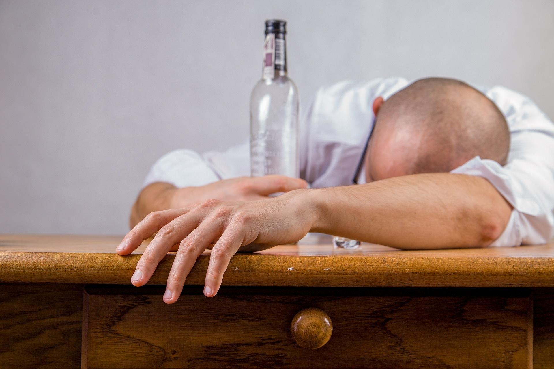Jak zvládnout silvestrovské oslavy bez bolení hlavy?