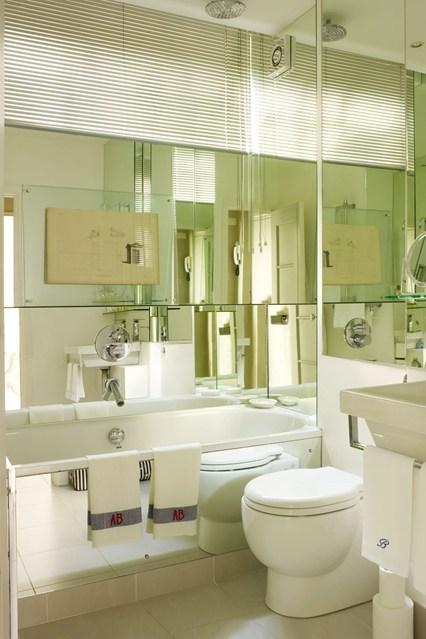 zrcadlo & zaves v jednom - jak vyuzit maly prostor