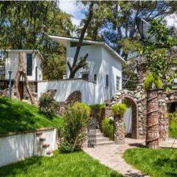Lady Gaga koupila legendární dům Franka Zappy v Hollywood Hills