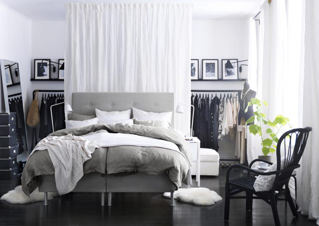 ložnice s šatnou