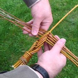 pletení pomlázky z 11 proutku