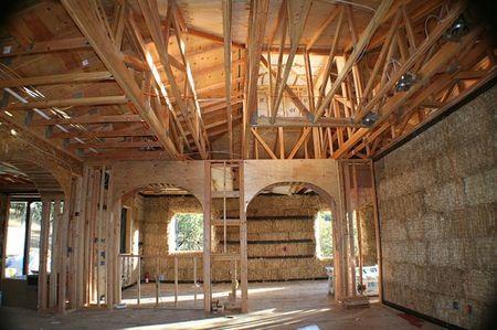 dům ze slámy, interiér