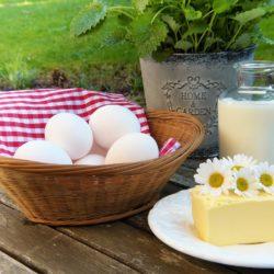 máslo, vejce, mléko
