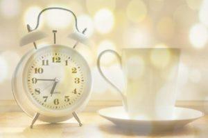 Jak na ranní vstávání: dávka energie pro zimní rána