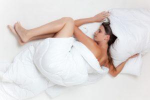 Dobrý spánek. Stačí vám závěsy nebo žaluzie?