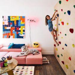 Postavte v dětském pokoji lezeckou stěnu!