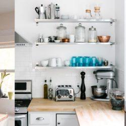 Otevřené police v kuchyni jsou trendem! Jak je to ale s prachem?