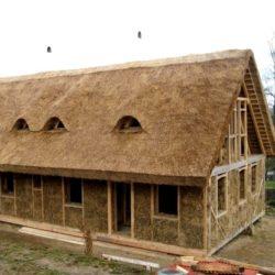 Postavte si slaměný dům!