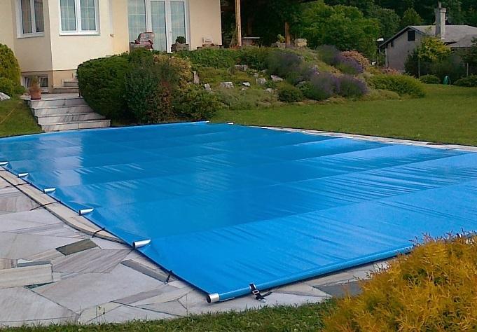 Bezpečnostní plachta na bazén